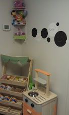Decorating Playrooms with RoomMates Peel and Stick Wall Decor