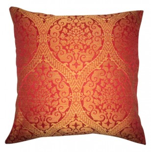 indian red groupe pillow