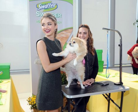 Sarah Hyland and Pup Grooming